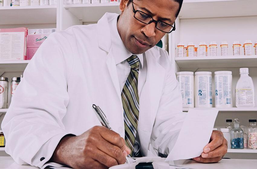 cách sắp xếp tài liệu, tư trang trong nhà thuốc