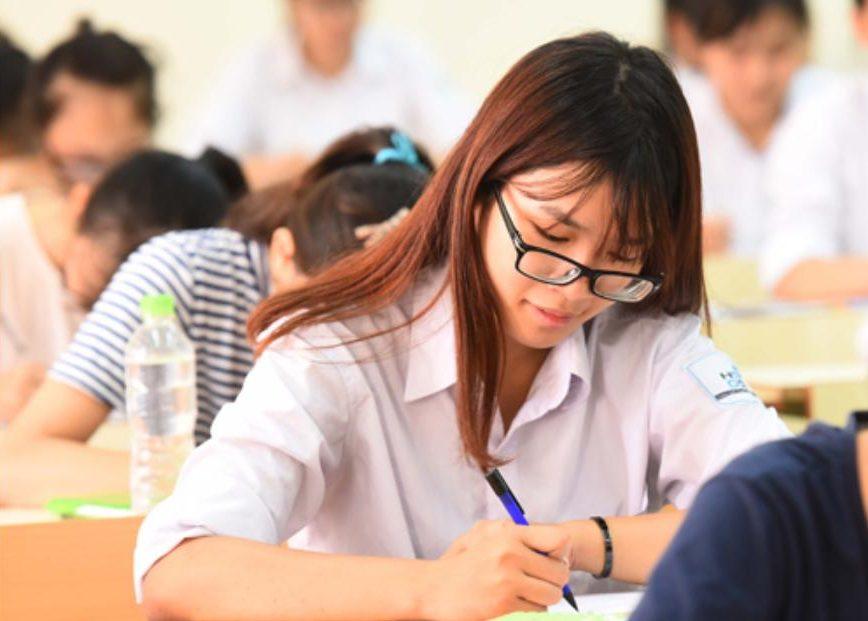 Quản lý đăng ký và tra cứu điểm thi thí sinh