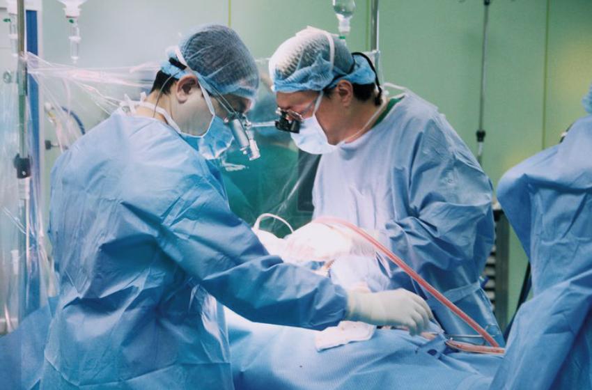 học bác sĩ phẫu thuật mất bao lâu